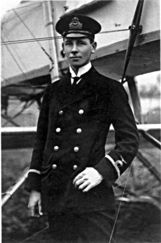 Reginald Warneford, 1915   Imperial War Museum